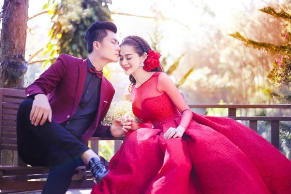 Vị hôn phu điển trai kém 8 tuổi của Lâm Khánh Chi là ai?