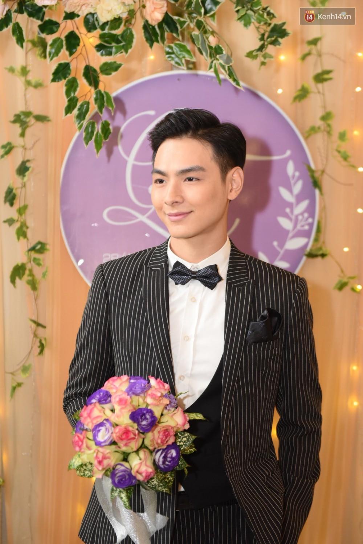 Cùng ngày với đám cưới của Lâm Khánh Chi, Chúng Huyền Thanh cũng chính thức nên duyên vợ chồng với hôn phu điển trai