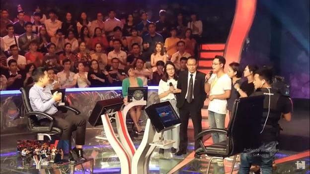 Ai là triệu phú chính thức nói lời chia tay MC Lại Văn Sâm, hé lộ hình ảnh đầu tiên của MC mới Phan Đăng
