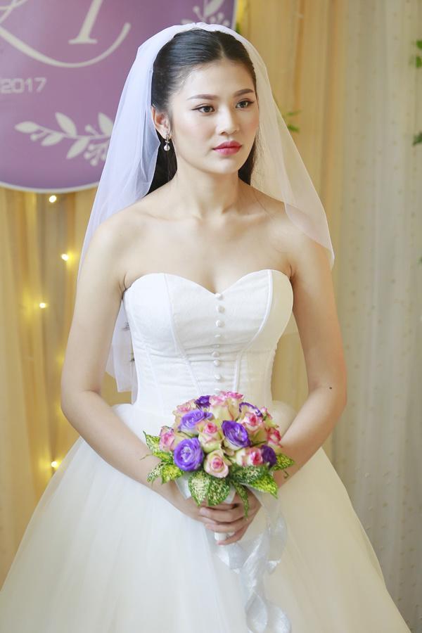 Rộ tin đồn Chúng Huyền Thanh gấp rút cưới chồng ở tuổi 21 để chạy bầu