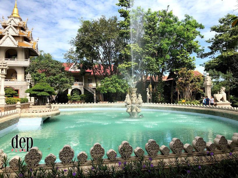 Sài Gòn vi vu ngoại thành - Kỳ 1: Viếng thăm ngôi chùa Vàng Bửu Long, ngỡ lạc giữa đất Thái Lan