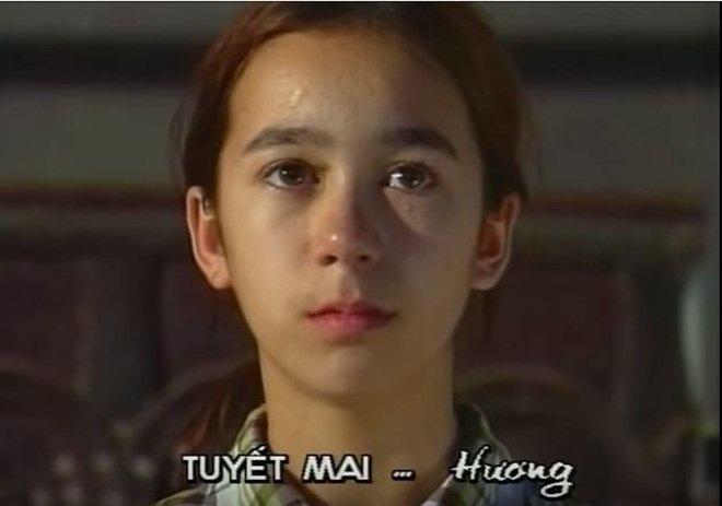 Trong khi Hà Hồ làm mưa làm gió ở showbiz Việt, bản sao nhí của cô lại mất tích bí ẩn