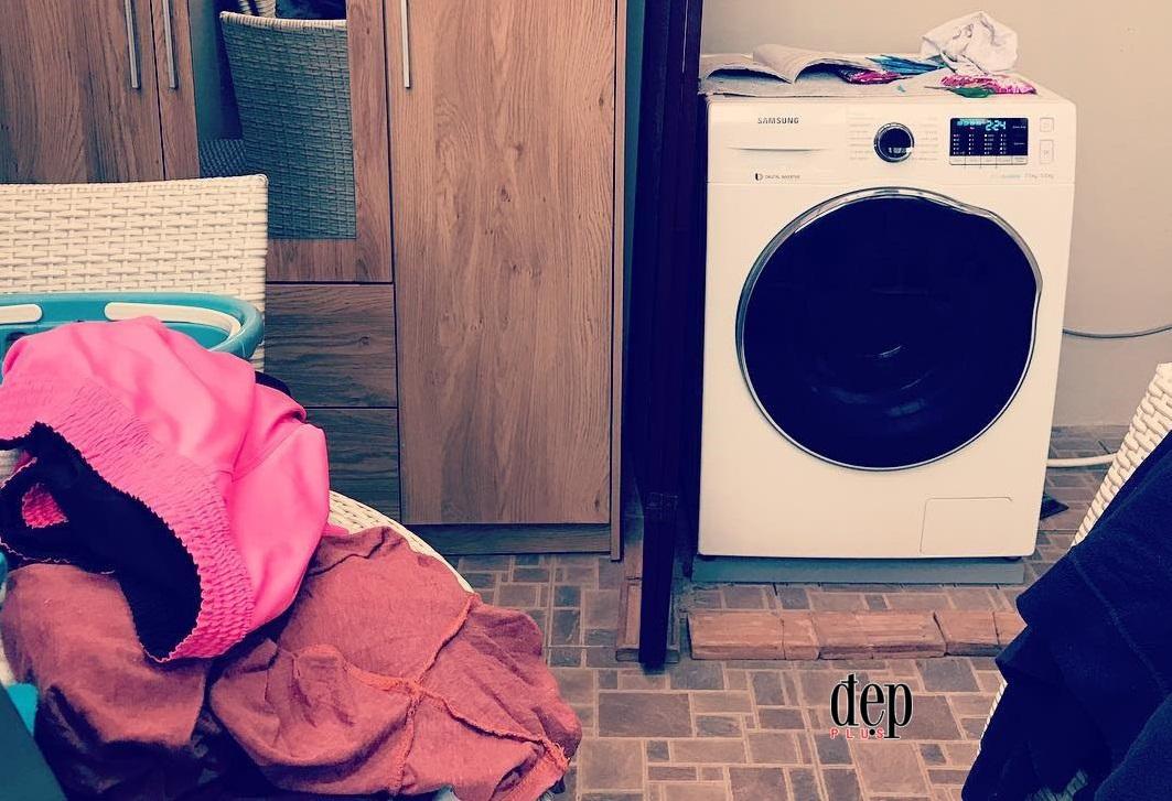Những điều cần lưu ý khi sấy quần áo bằng máy giặt trong ngày mưa gió ẩm ướt