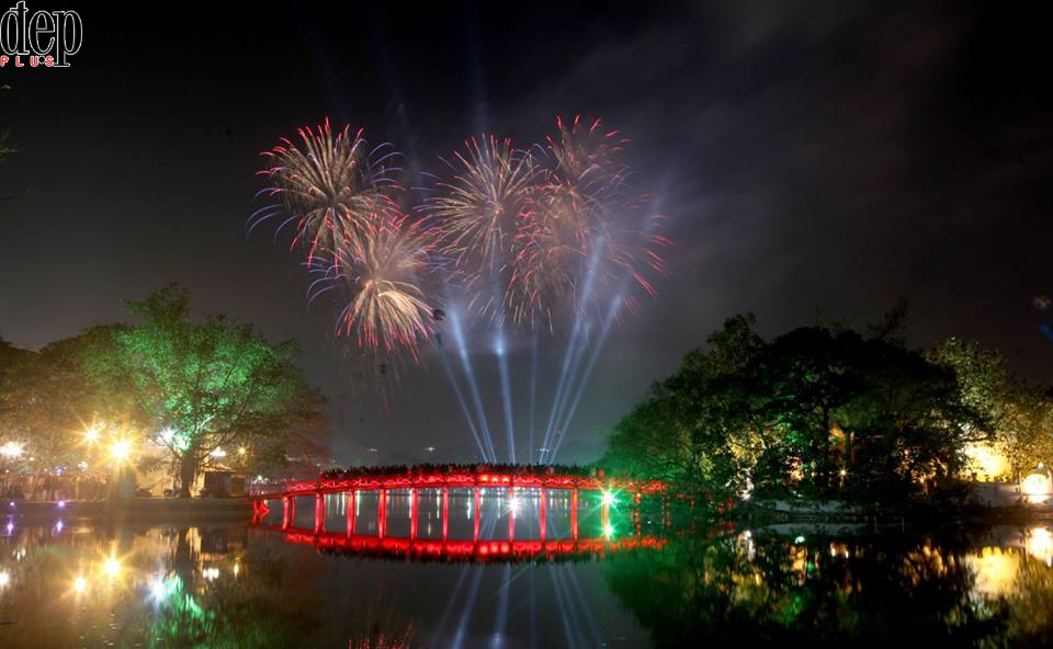 Xem bắn pháo hoa tại Hà Nội ở những điểm nào trong dịp Tết Mậu Tuất 2018?