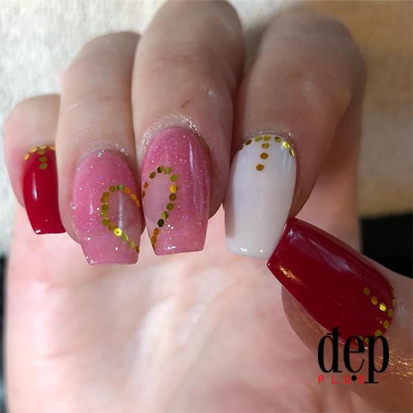 Mẫu nails đơn giản nhưng ngọt ngào ấn tượng cho Valentine