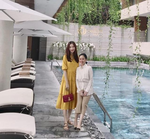 HOT: Hoa hậu Đặng Thu Thảo mang thai sáu tháng, được ông xã thiếu gia dẫn đi khám thai ngày đầu năm