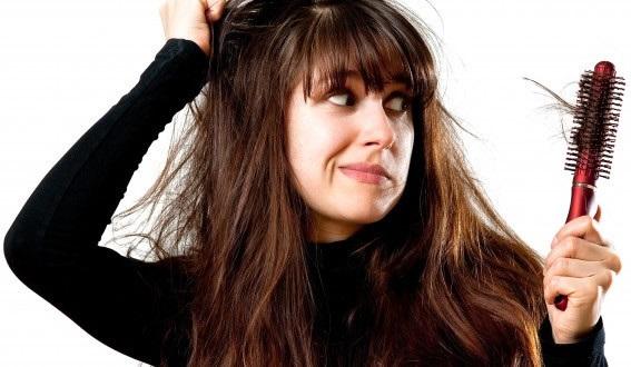 Ngăn tóc gãy rụng khi giao mùa