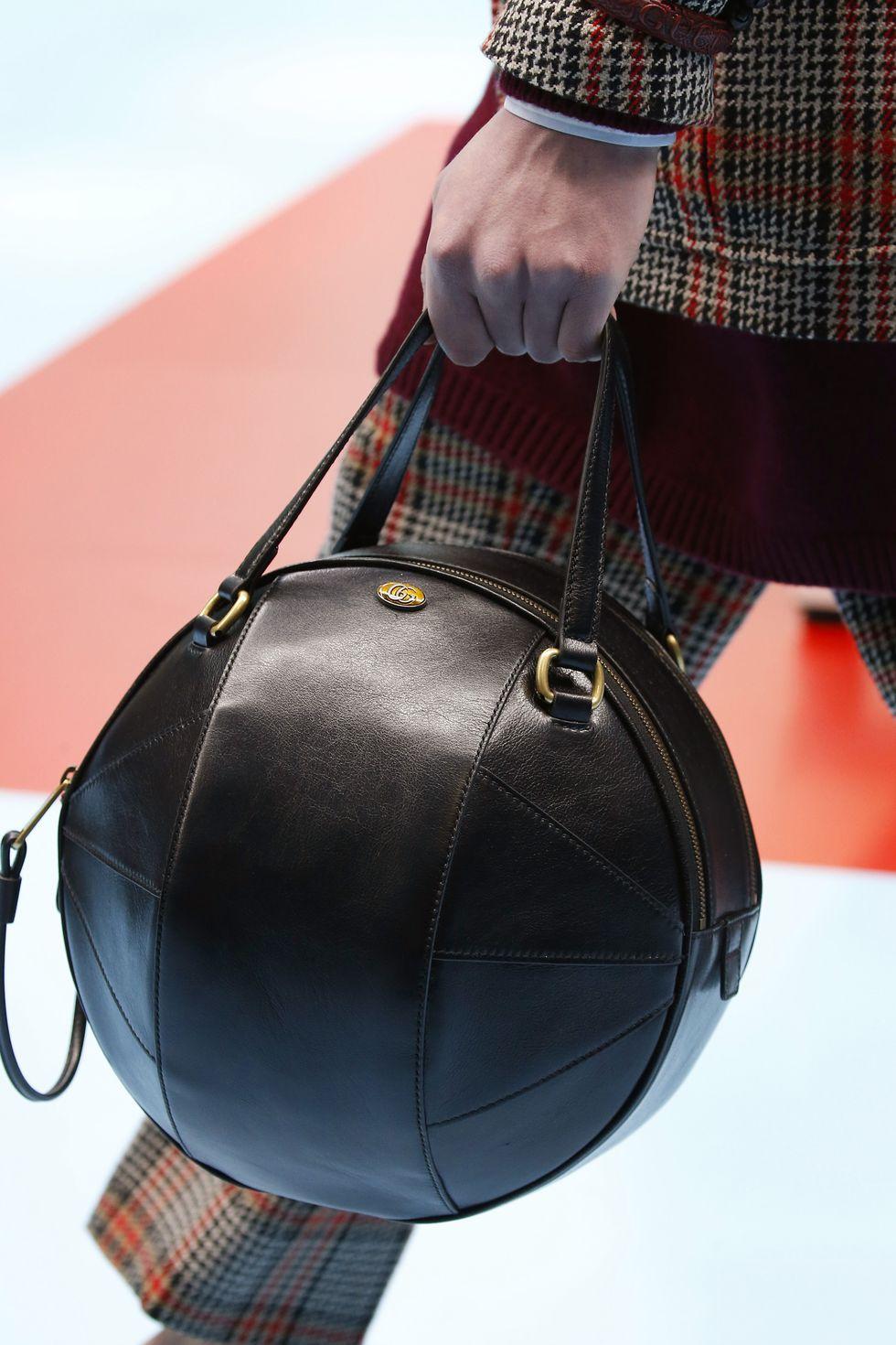 6 Xu hướng túi xách đáng chú ý trên sàn diễn Milan Fall 2018