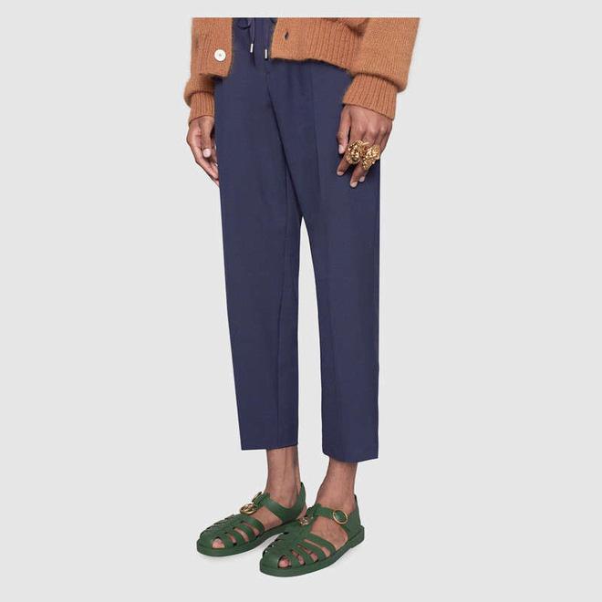 Gucci ra mắt đôi sandal 11 triệu đồng nhưng lại giống hệt dép rọ bộ đội 70K của Việt Nam
