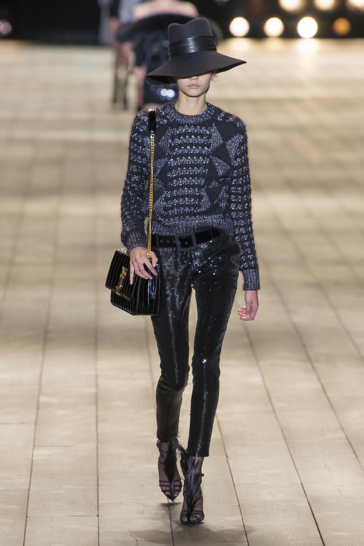 Saint Laurent ra mắt bộ sưu tập Thu Đông 2018