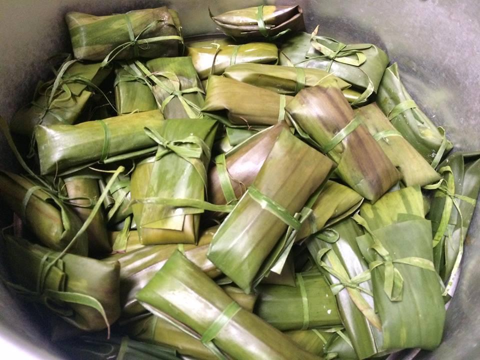 Tự làm bánh bột lọc gói lá chuối kiểu Huế