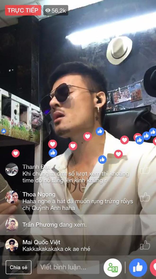 Hoa Vinh - soái ca đeo kính livestream hát hò hút triệu view chỉ sau một đêm!