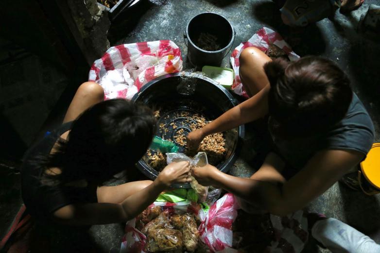 Pagpag - Món ăn làm từ thịt bãi rác của người nghèo Phillipines