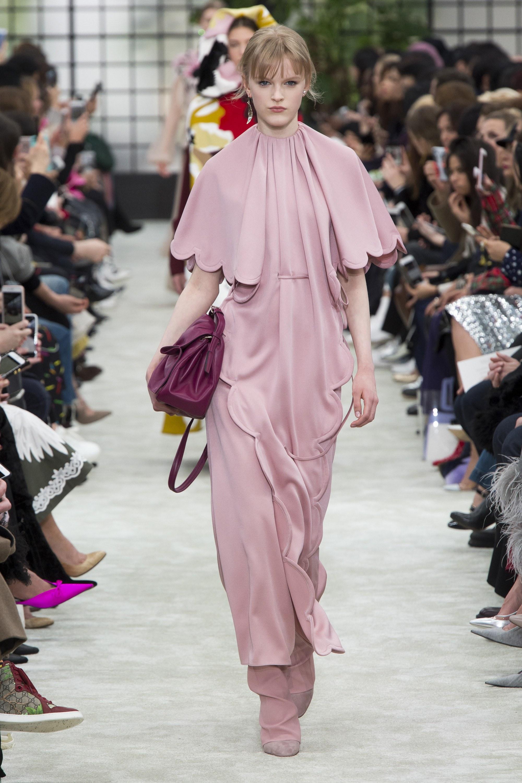 Chiêm ngưỡng bộ sưu tập Valentino Fall 2018