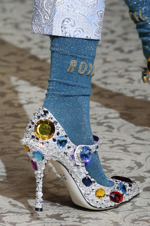 Ngắm loạt phụ kiện đẹp mãn nhãn của Dolce & Gabbana Fall 2018