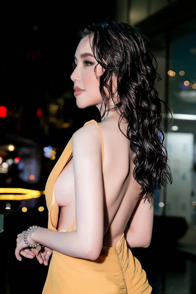 Elly Trần bị ném đá vì mặc phản cảm: Chiếc váy không có lỗi, lỗi tại vòng 1!