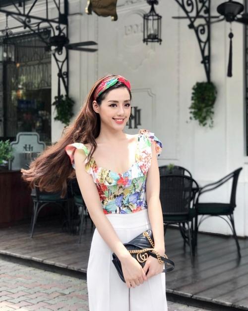Mới gia nhập showbiz, tủ đồ hiệu của Khánh Linh đã khiến nhiều mỹ nhân phát thèm