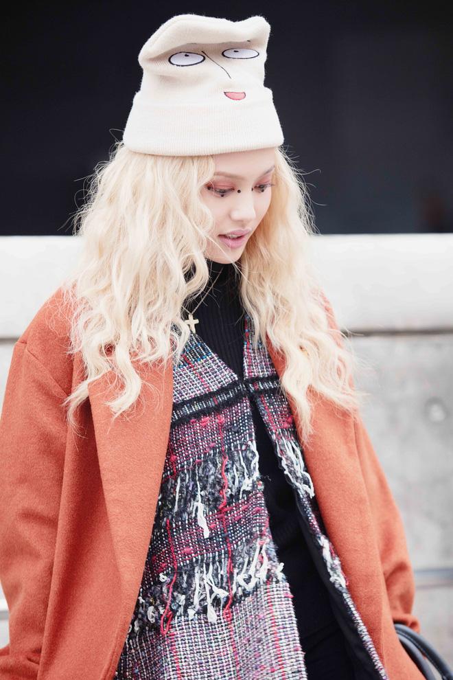 Cao 1m55 nhưng Fung La vẫn khiến fashionista quốc tế ngước nhìn vì style cực chất