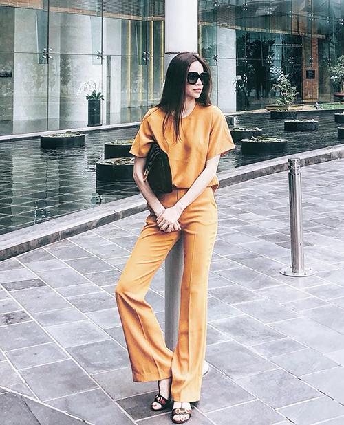 Hơn cả sắc tím của năm, Sao Việt đang đồng loạt phải lòng gam vàng rực rỡ