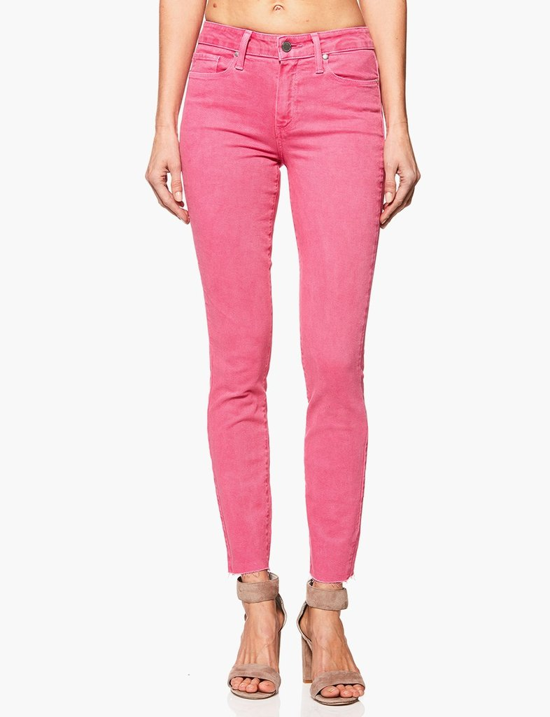 Dù khó tin nhưng xu hướng jeans này đang có dấu hiệu trở lại làng mốt