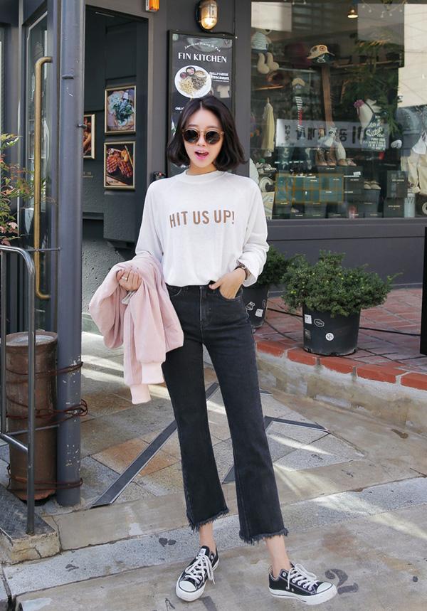 6 bí quyết mặc jeans ống loe đẹp nhất