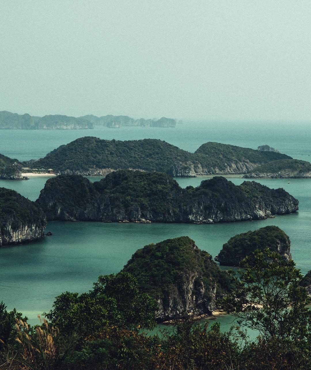 Điểm danh 5 điểm du lịch hot nhất Vịnh Bắc Bộ dịp 30/4 năm nay