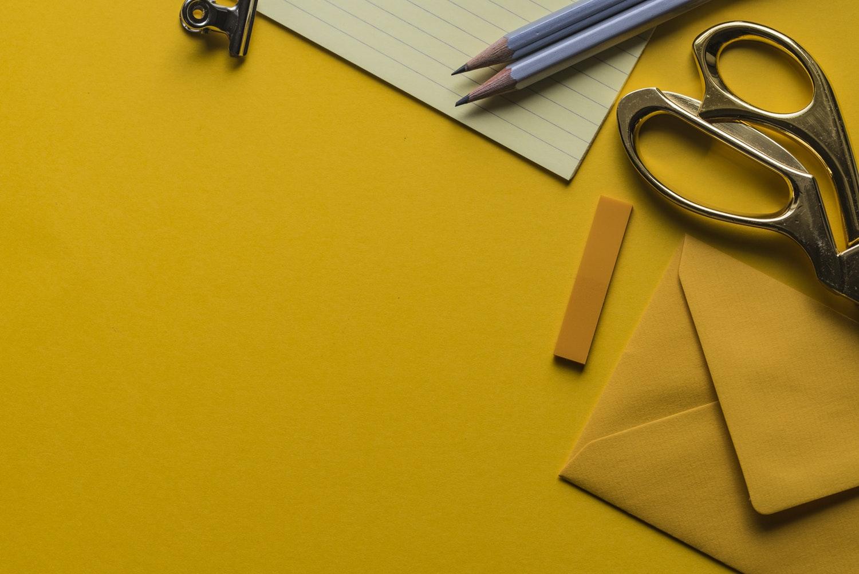 5 món đồ tuyệt đối không được bày trên bàn làm việc