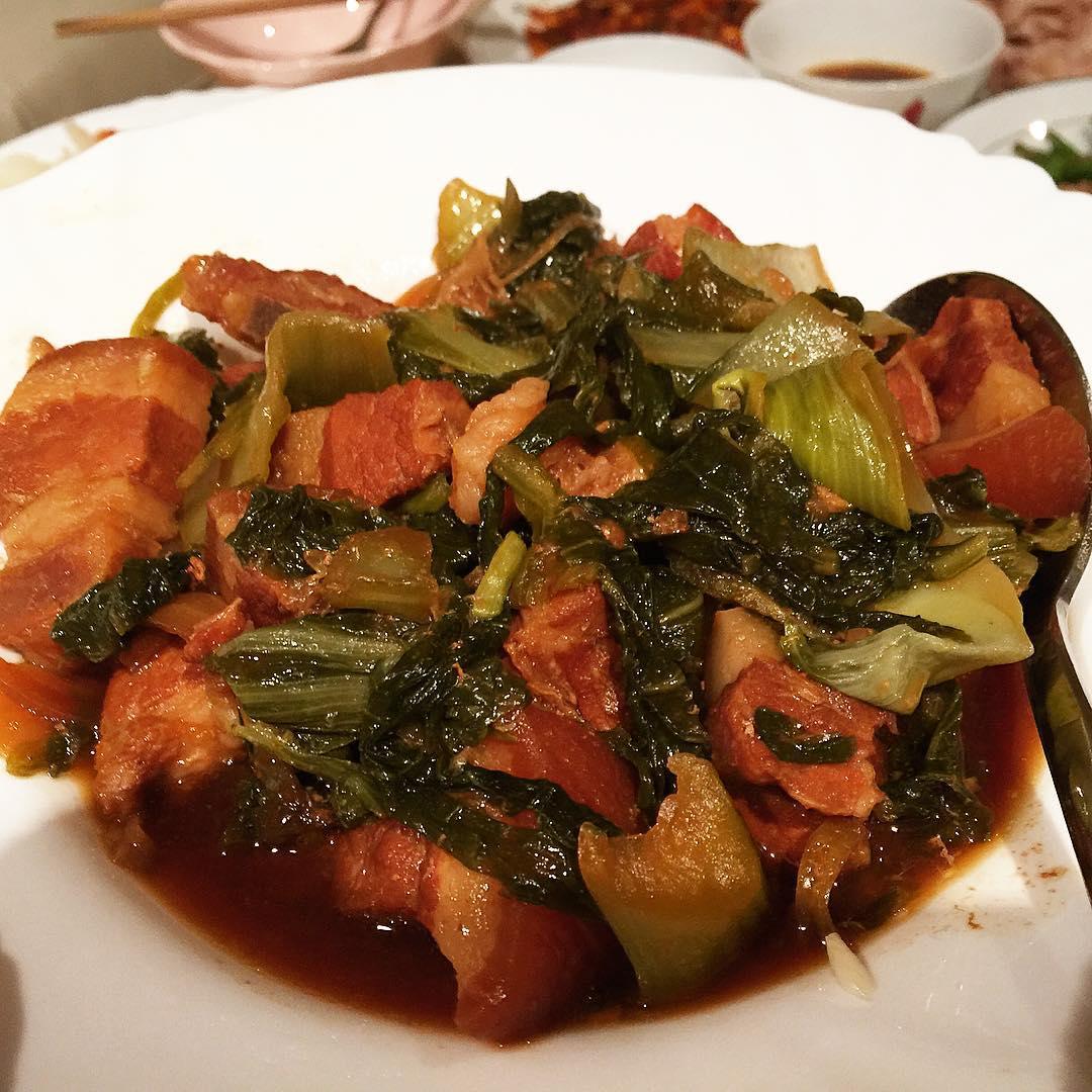 Cách làm thịt ba chỉ kho dưa cải chua ăn mãi không chán