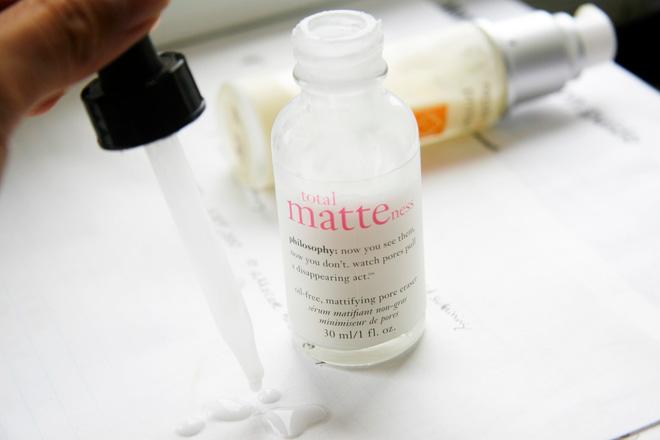 Gợi ý sản phẩm và các bước chăm sóc da dầu trong mùa hè