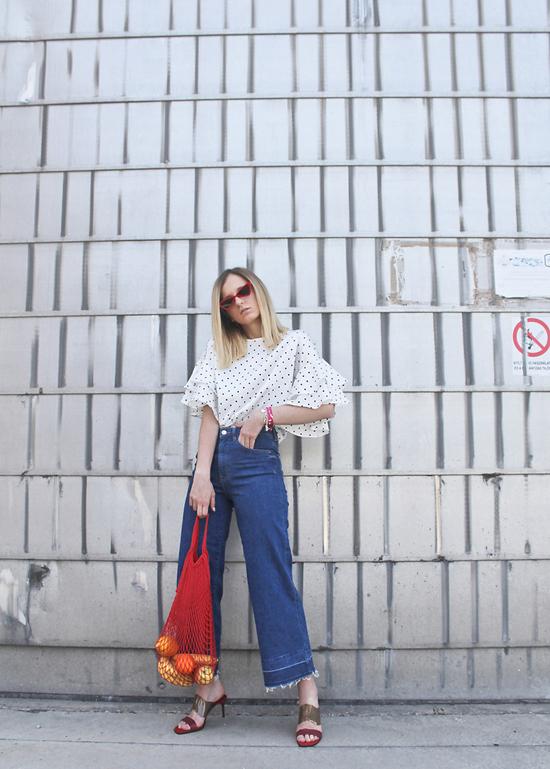 10 cách mặc đẹp cùng họa tiết chấm bi