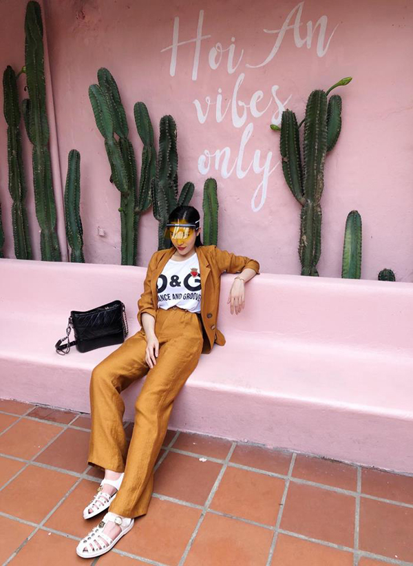 Sao Việt chọn màu nổi cho phong cách street style