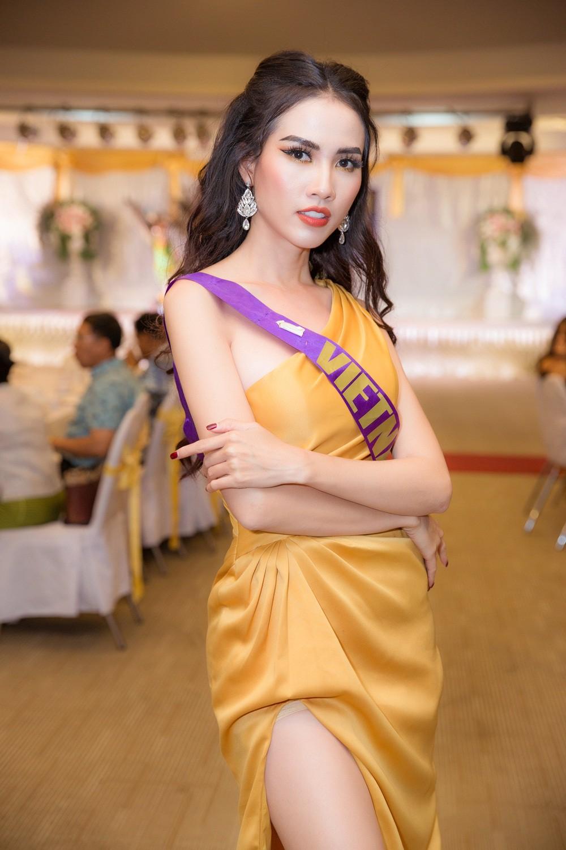 Phan Thị Mơ lọt top 10 phần thi trang phục của Hoa hậu Đại sứ Du lịch Thế giới 2018