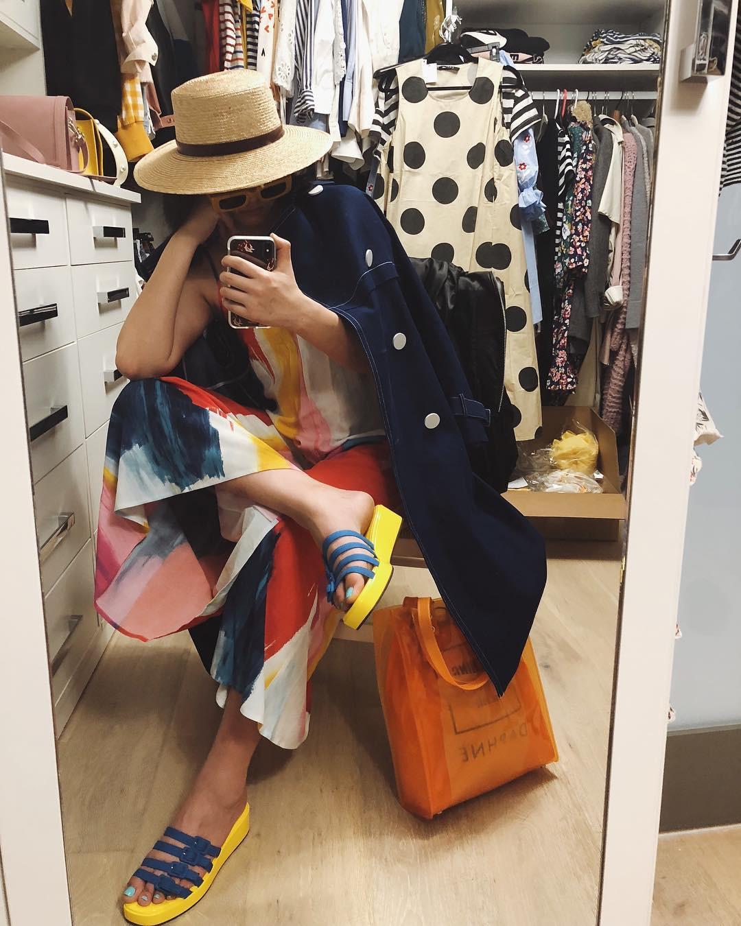 Tháng nào cũng cạn tiền vì mua sắm váy áo, đó là bởi bạn đã không tuân theo 5 nguyên tắc shopping sống còn này