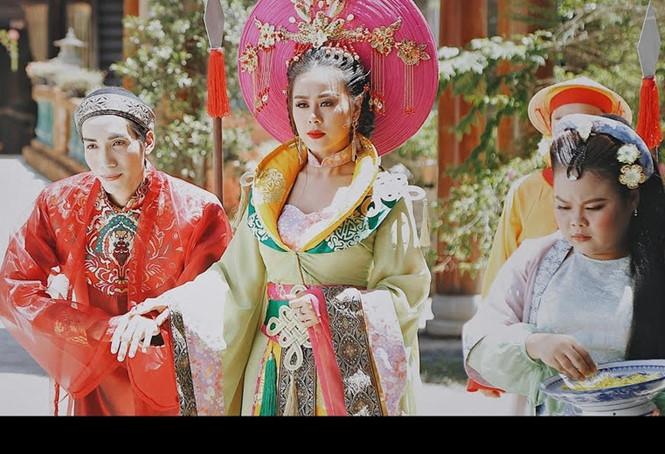'Nam Phi liên hoàn kế' đạt triệu view, Nam Thư ẵm nút bạc YouTube