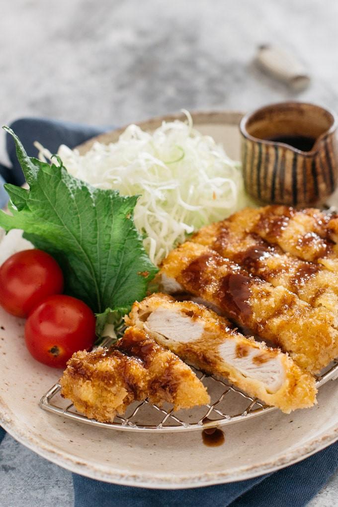 Học người Nhật làm thịt tẩm bột chiên giòn bên ngoài mềm ngọt bên trong