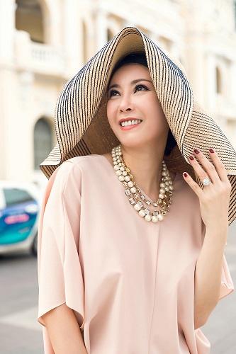 Ép cân thành công, Hoa hậu Hà Kiều Anh khoe vóc dáng cuốn hút