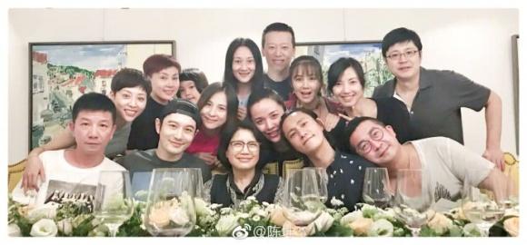 Huỳnh Hiểu Minh và Trần Khôn thân thiết trở lại, Triệu Vy vẫn cố tránh mặt?