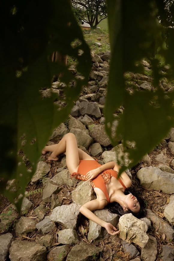 Giữa tâm bão phim cấm sóng, Lan cave Thanh Hương trốn lên rừng
