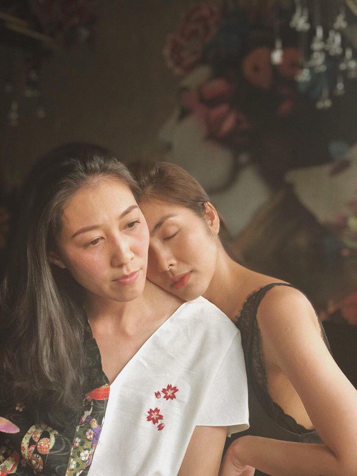 Tình bạn 10 năm của hội bạn thân Hà Tăng: Người bị lãng quên, kẻ qua thời đỉnh cao, vẫn bất chấp thịnh suy danh vọng để nắm tay nhau