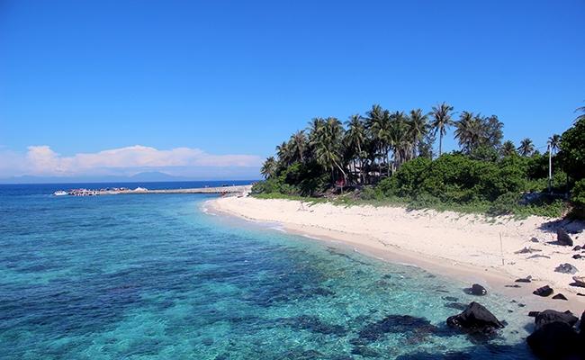 Chùm ảnh đảo Lý Sơn tuyệt đẹp trong nắng Hè