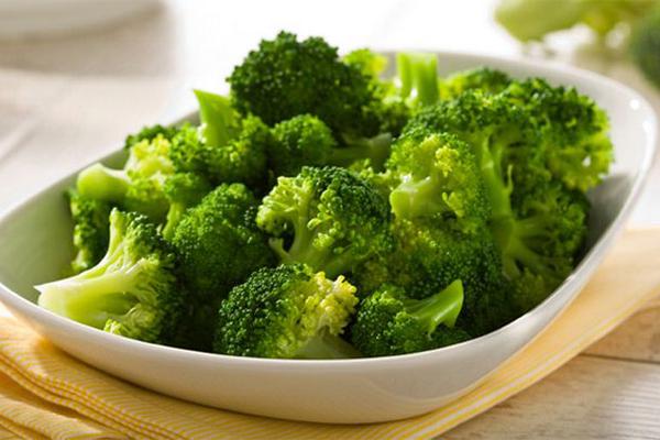8 loại thực phẩm giúp ngăn ngừa tác hại của tia UV lên da