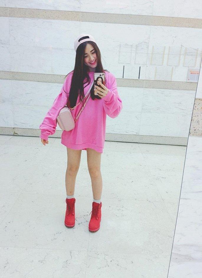 Từng bị chê thảm họa thời trang, Hòa Minzy 'lột xác' ra sao?