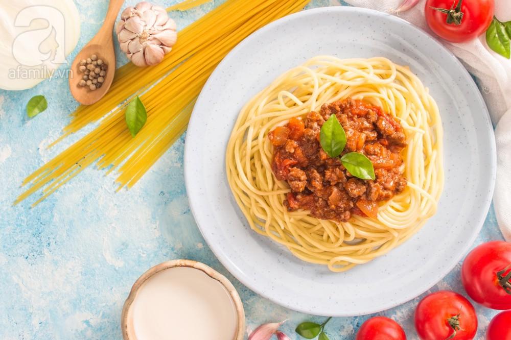 Bữa trưa đổi món với mì Ý bò bằm làm nhanh ăn ngon