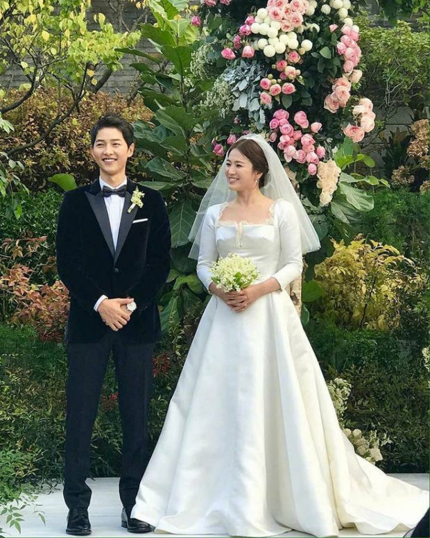Cặp đôi Song Song đã làm điều này trong dịp kỉ niệm 1 năm ngày cưới khiến ai cũng ngưỡng mộ
