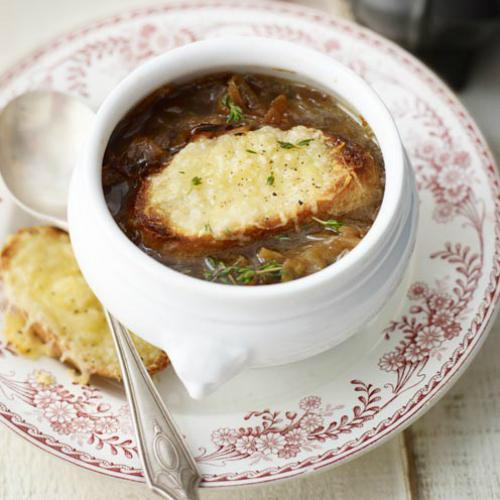 Bánh mỳ phô mai nhúng súp hành cho bữa tối