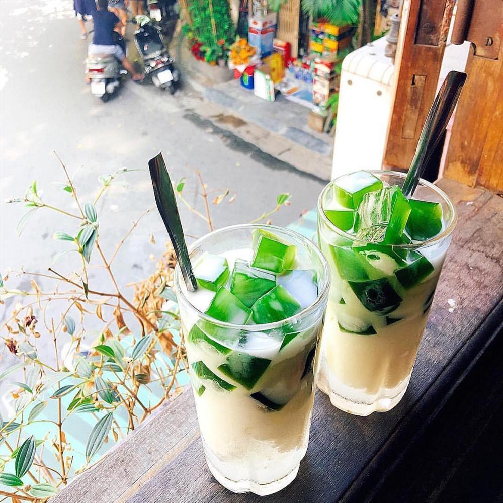 Chỉ cần 100 nghìn, oanh tạc bằng hết món ăn vặt của phố phường Hà Nội