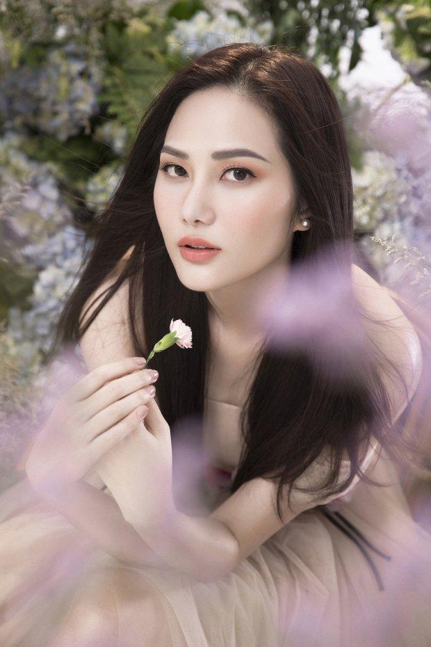 Hoa hậu Nguyễn Diệu Linh vừa bánh bèo lại vừa sang chảnh với đầm nude