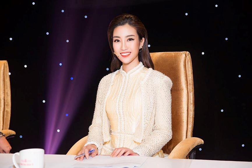 Đỗ Mỹ Linh trở thành host chương trình Người đẹp nhân ái