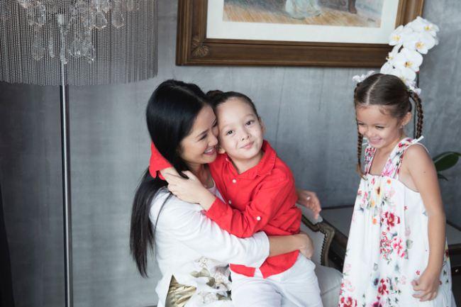 Cuộc sống hạnh phúc bên hai con của Hồng Nhung sau ly hôn