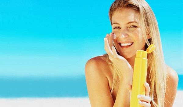 Mẹo giúp làn da không bị bắt nắng mùa hè